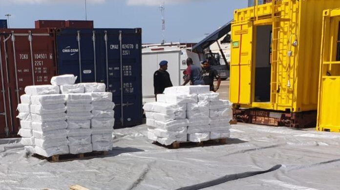 Politie Suriname: Nog géén verdachte, lab onderzoekt 'spul'