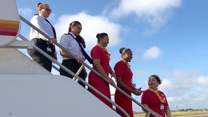 Dit zijn ze dan: de dames van de 'Surinam Airways All Female Crew'