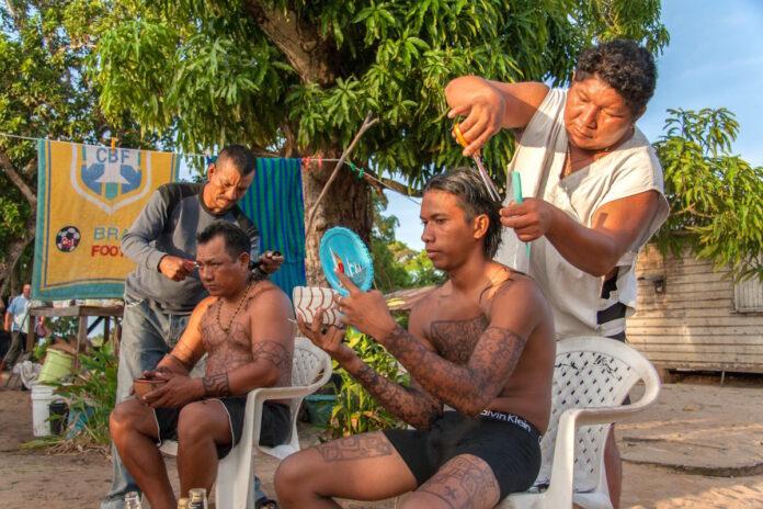 Eerste fotoboek over dagelijks leven inheemsen in Suriname