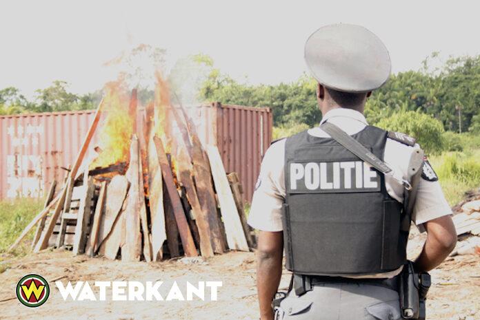 Politie nodigt pers in Suriname uit om drugsverbranding mee te maken