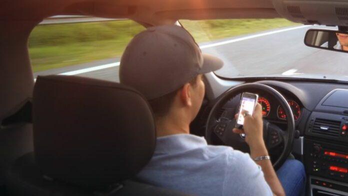 Man die zwangere vrouw doodreed las app-bericht tijdens het rijden