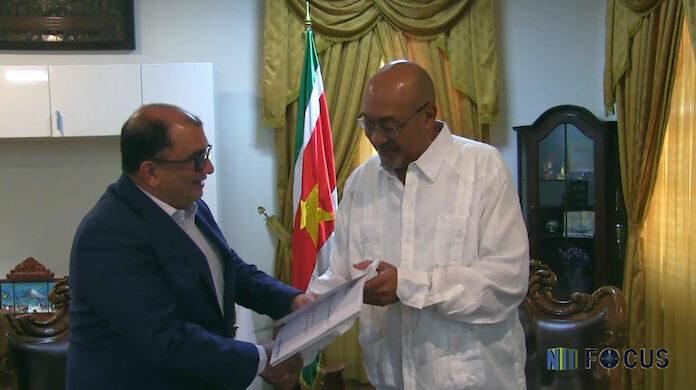 Bouterse ontvangt Strategisch Plan voor Gezondheid en Welzijn in Suriname