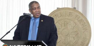 'Buitenlandse adviseur kost ministerie Suriname 20.000 US$ per maand'