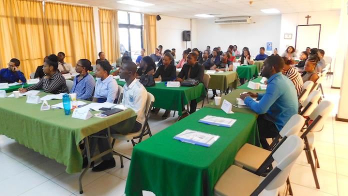 JCI Paramaribo 'Business Protocol en Etiquette Seminar' groot succes