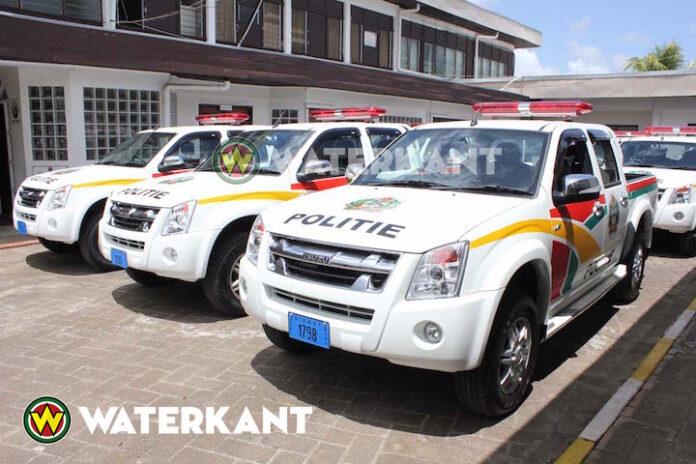 'Politie Suriname krijgt 200 politievoertuigen van China'