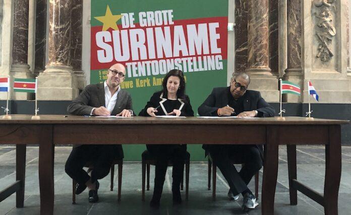 Voorstellingen over hoofdpersonen Surinaamse geschiedenis op Suriname tentoonstelling