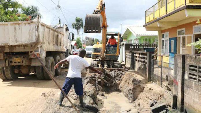Vordering project 'Riolering en rehabilitatie Zorg en Hoop' in Suriname