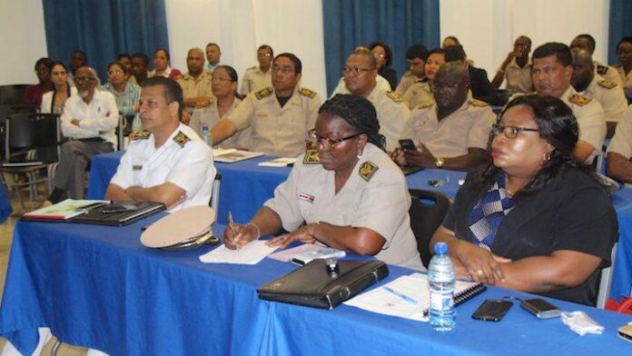 Districtscommissarissen geïnformeerd over werkzaamheden verkiezingen in Suriname