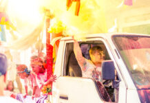 Eerste 'Phagwathon Color Parade' in Suriname