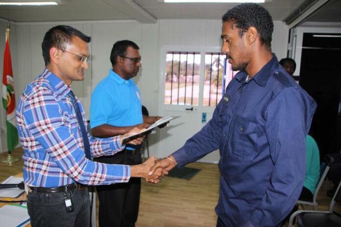 Kustwacht Suriname en LVV verzorgen training 'Visserij inspectie op zee'