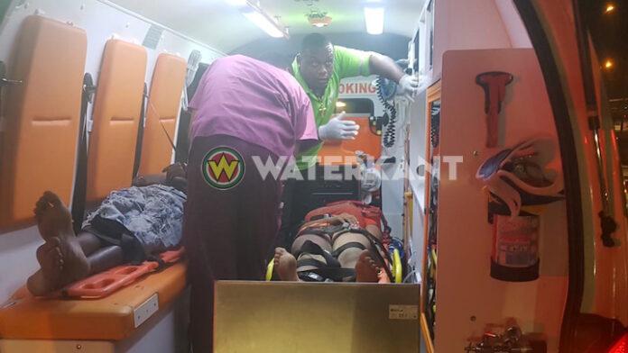 Bromfietser en voetganger met ambulance afgevoerd na aanrijding in Suriname