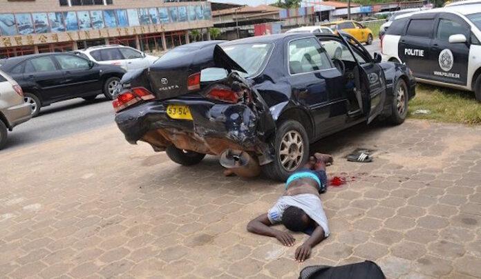 Politie Suriname houdt twee autodieven aan; eentje neergeschoten