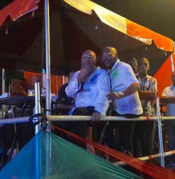 President op Phagwa viering Onafhankelijkheidsplein Suriname