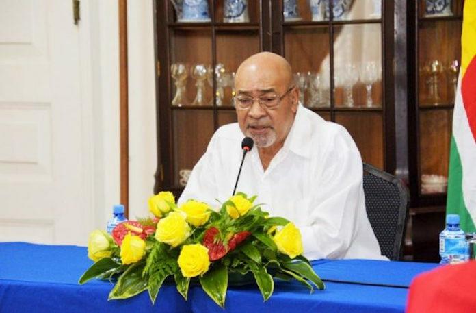 Surinaamse president voert overleg werkverdeling prioriteitsgebieden