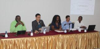 Meeting ministerie met muziekindustrie Suriname over auteursrechten en royalties innen