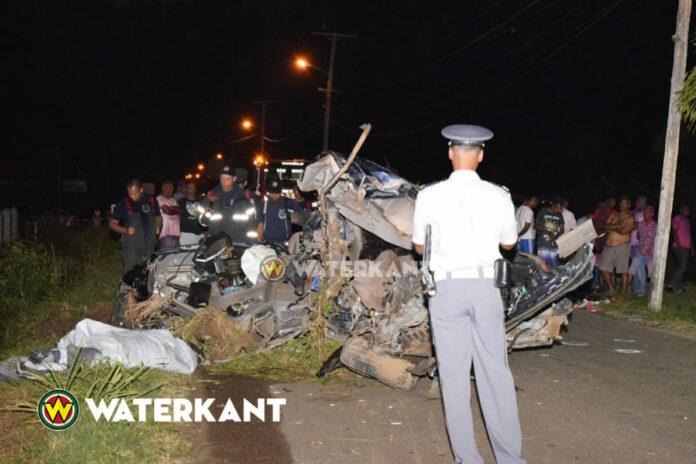 Twee doden na ernstig verkeersongeval te Leiding in Suriname