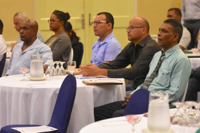 Oliesector Suriname biedt veel kansen voor kleine- en middelgrote ondernemers