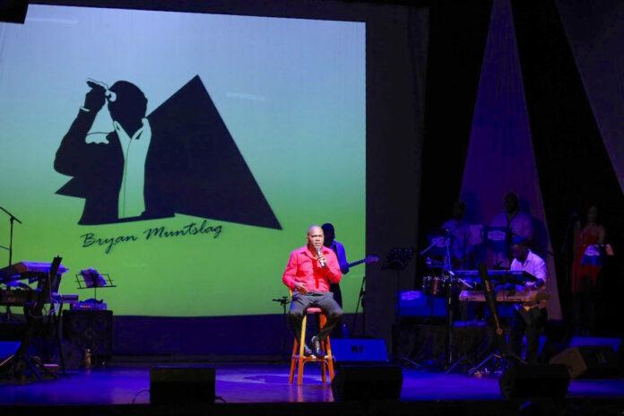 Surinaamse zanger Bryan Muntslag komt met tweede galaconcert