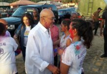 President Bouterse viert Holi bij Chotelal Complex in Suriname