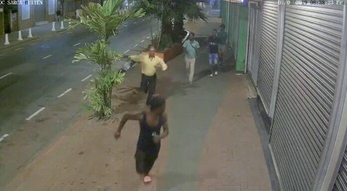 Slachtoffer roof plaatst beelden van jonge overvallers in Suriname online