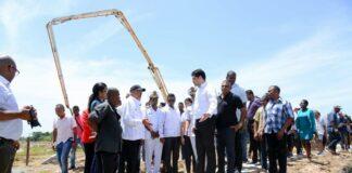 Opendag en eerste steenlegging van woningen Altona Village 2 in Suriname