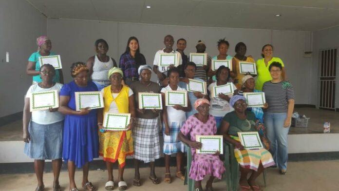 Afsluiting training landbouwers Brownsweg in Suriname