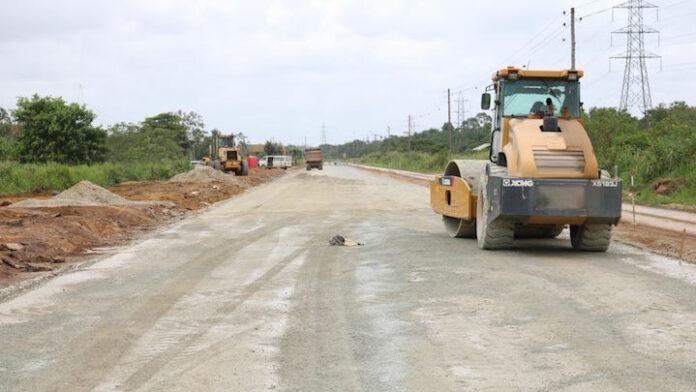 Eind april eerste asfalt laag op vernieuwde Martin Luther Kingweg in Suriname