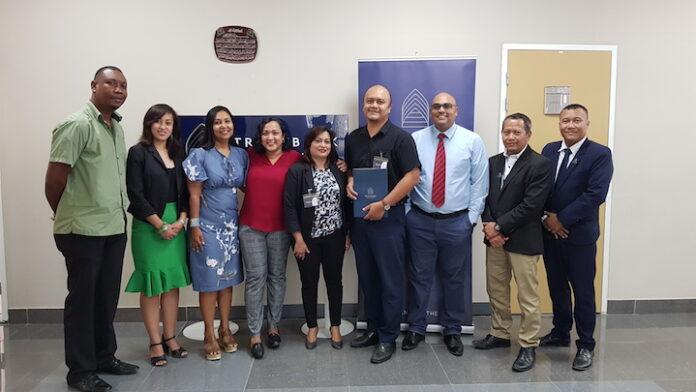 Ministerie van Arbeid creëert toegang tot financiering voor klein-ondernemerschap in Suriname