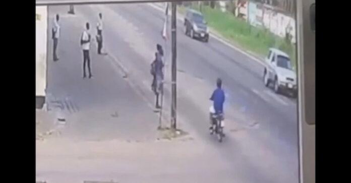 VIDEO: Bromfietser rijdt 3 scholieren in Suriname aan