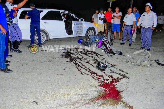 Bromfietser ter plaatse overleden na aanrijding met auto in Commewijne
