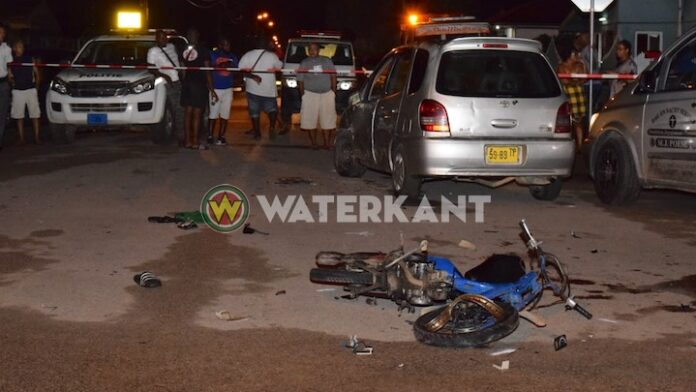 Dood gereden bromfietser in Suriname is 15-jarige jongen