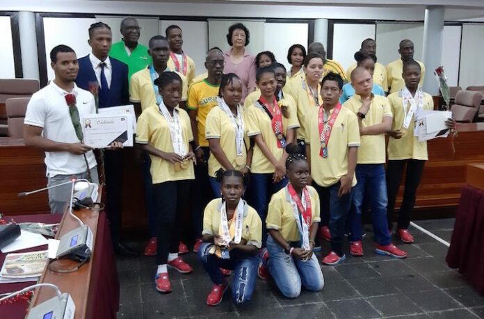 Special Olympics sporters ook in Nationale Assemblee Suriname gehuldigd