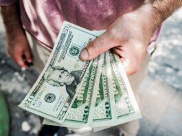 Economen ten einde raad, willen campagne starten 'Breng dollars naar Suriname'