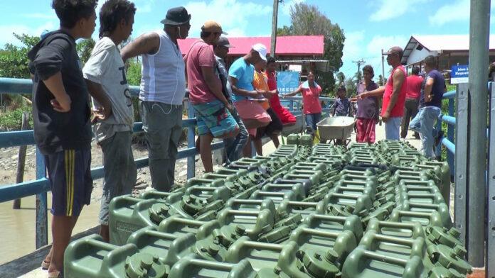 Overheid Suriname schiet bewoners Commewijne te hulp met drinkwater