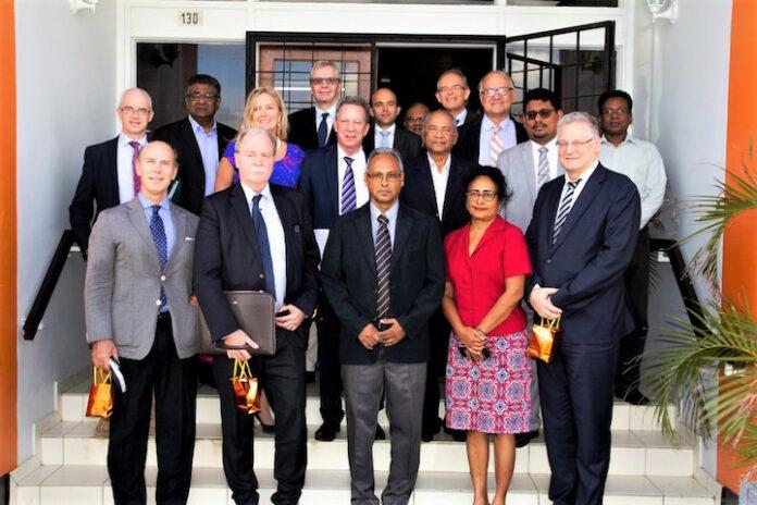 EU delegatie in Suriname brengt een bezoek aan de VHP