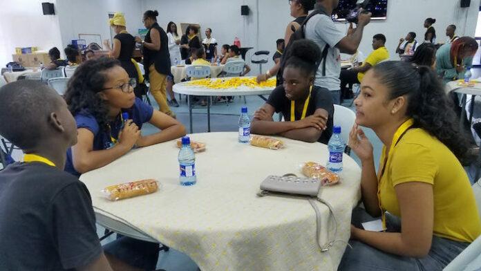'Mi na Gowtu' programma voor jongeren gestart in Suriname