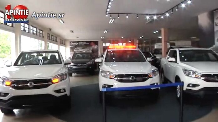 Overdracht van nieuwe SsangYong voertuigen aan Justitie en Politie in Suriname