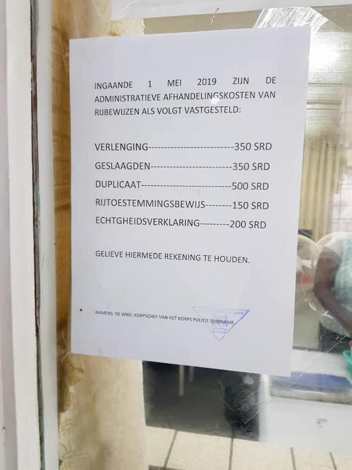 Extreme verhoging van administratieve afhandelingskosten voor rijbewijzen in Suriname?