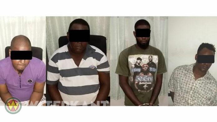 Twee overvallers, tipgever en 'bonuman' aangehouden na roofoveral op kledingzaak