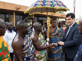VIDEO: Vice-president van Suriname op bezoek in Ghana