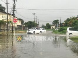 Wateroverlast in Suriname, regenachtige start Wandelmars