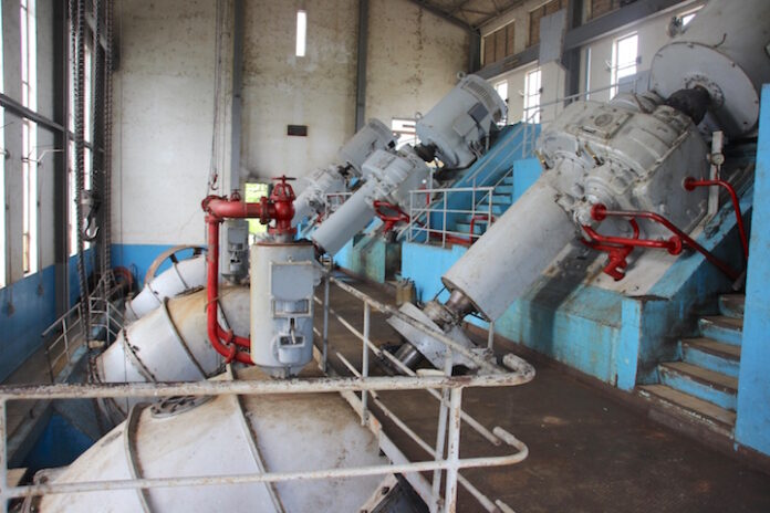 'Zestig jaar oude pompen van Wageningen kosten Suriname miljoenen'