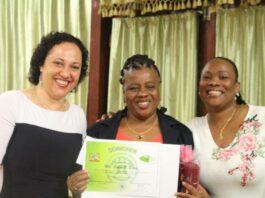 Jubilarissen Bureau Openbare Gezondheidszorg Suriname gehuldigd