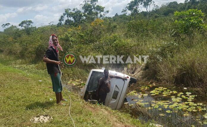 Baby moest naar intensive care na ongeluk met bestelwagen in Suriname