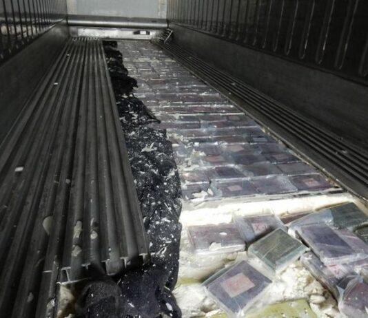 Frankrijk onderschept 492 kg cocaïne in bananencontainer uit Suriname.