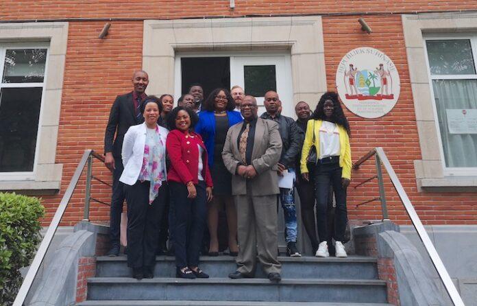 Surinaamse ambassadeur in België ontmoet diaspora-organisaties