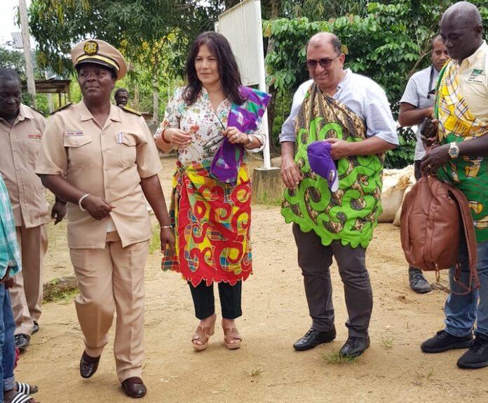 First Lady Suriname bezoekt Gakaba en Langa Tabiki
