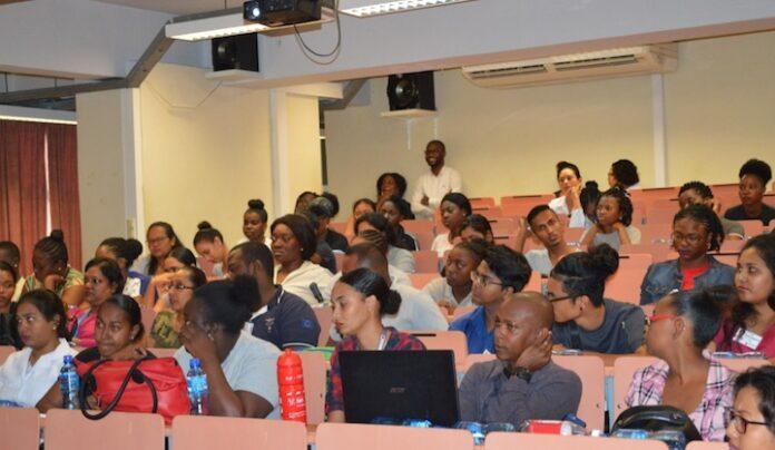 COVAB Suriname investeert in haar studenten en docentenkorps