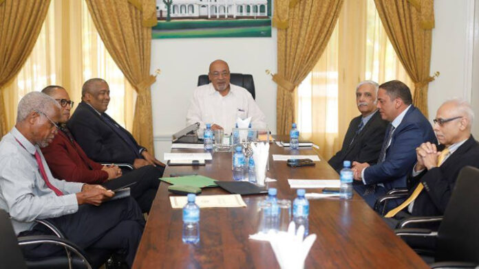 President Suriname voert overleg over situatie bij SPSB, OM start vooronderzoek