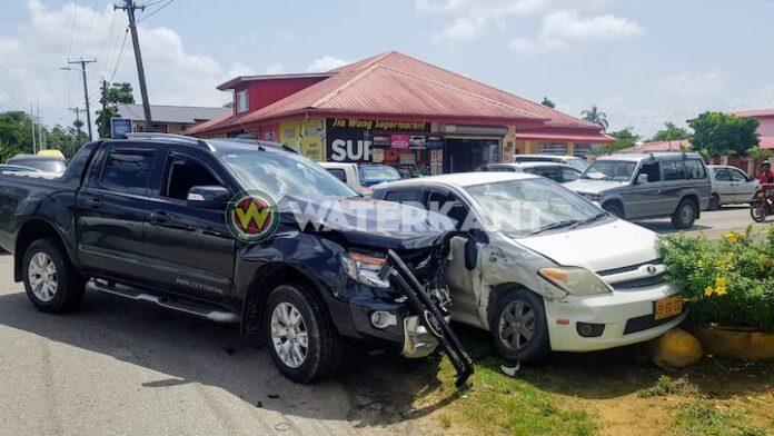 Flinke schade aan voertuigen bij aanrijding vanmorgen in Suriname